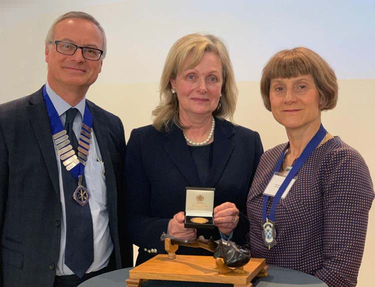 Professor Laura Viani receives the Philip Stell Memorial Award